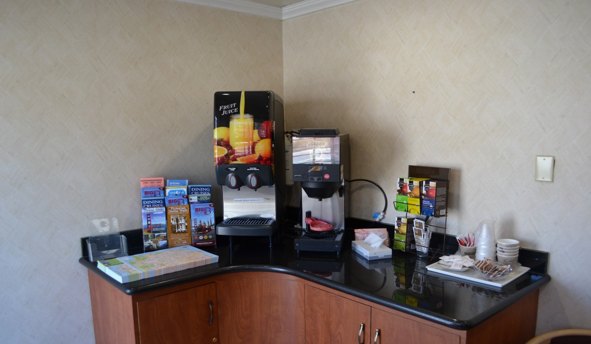 Alpha Inn & Suites San Francisco - Free Coffee, Tea and Juice every morning
