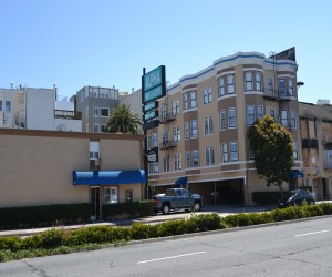 Alpha Inn & Suites San Francisco - Located on busy Lombard Street