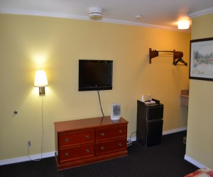 Alpha Inn & Suites San Francisco - All rooms feature flatscreen TVs