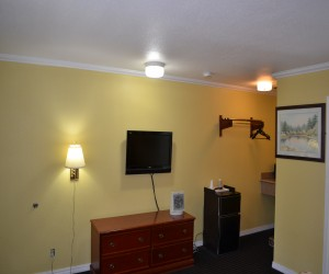 Alpha Inn & Suites San Francisco - Microwave and Fridge available